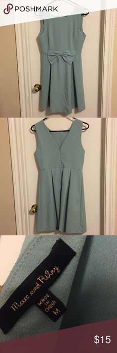 Baby Blue Bow Dress Super cute dress that I wore once for a baby shower! Perfect for any spring occasion and im great condition! Francesca's Collections Dresses