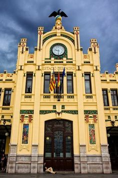 Main train station, Classified historic building in centre, Valencia Beautiful Buildings, Beautiful Places, Cities, Valencia City, Moraira, Largest Countries, Spain And Portugal, Pamplona, City Photography