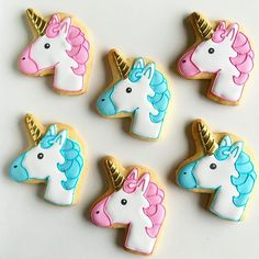 Biscoitos para uma festinha de #unicornios Iced Cookies, Sugar Cookies, Texans Cake, Unicorn Cookies, Tumblr Food, Royal Icing Decorations, Flamingo Party, Birthday Love, Creative Cakes