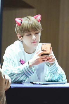 170223 M COUNTDOWN Taehyung fansign
