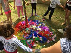 Mandala en el patio del colegio. #mandala #mandalanaturaleza #kidsyoga #yogaparaniños #yogaenelcolegio