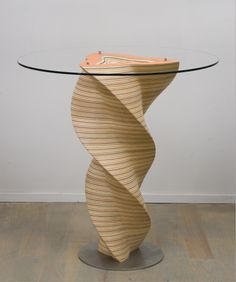 Triskel table - Christina Jékey