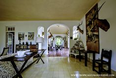 This beautiful colonial house and now museum is located in the neighborhood San Francisco de Paula in Havana. The house is still called Finca La Vigia. Home Decor Items, Home Decor Accessories, Cheap Home Decor, Ernest Hemingway, Hemingway Cuba, Home Renovation, Home Remodeling, Home Interior, Interior Design