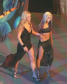 Britney Spears and Christina Aguilera Britney Spears Outfits, Britney Spears 2000, Britney Spears Photos, Britney Jean, Mtv Videos, Women In History, Female Singers, My Idol, Beyonce