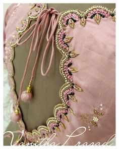 Hand Work Blouse Design, Simple Blouse Designs, Stylish Blouse Design, Fancy Blouse Designs, Wedding Saree Blouse Designs, Wedding Blouses, Dress Design Patterns, Hand Embroidery Designs, Embroidery Works