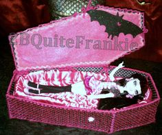 everything plastic canvas | made a plastic canvas draculaura Coffin.LARGE PICS - Monster High ...