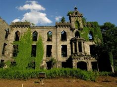 The Smallpox Hospital on Roosevelt Island | 20 Hidden Gems To Make You Fall In Love With NYC Again