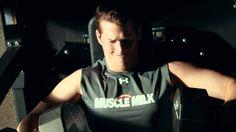 Clayton Kershaw, inocentemente sexy para Muscle Milk.