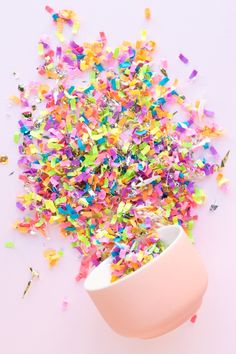 Birthday Background Iphone Life Ideas For 2019 Confetti Cones, Diy Confetti, Confetti Ideas, Confetti Wallpaper, Wallpaper Backgrounds, Iphone Wallpapers, Neon Rainbow, Over The Rainbow, Claude Monet