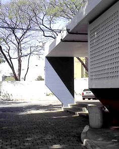 Galeria de Clássicos da Arquitetura: Ginásio de Guarulhos / Vilanova Artigas e Carlos Cascaldi - 11