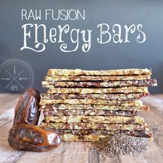 Raw Fusion Energy Bars The perfect paleo snack, easy to carry with you anywhere you go, dehydrated so they can last for months. Three flavor variations, and two are nut-free. Paleo Snack, Paleo Breakfast, Healthy Snacks, Breakfast Energy, Paleo Vegan, Paleo Bars, Vegan Raw, Snack Bar, Protein Snacks