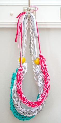 How to make a Finger Knit Necklace // Tutorial by Infarrantly Creative on Blog.Joann.com