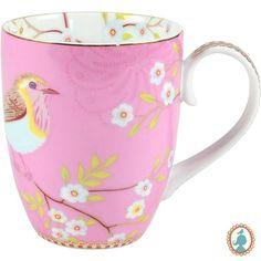 Quando tomar um chocolate quente, um chá, um café ou até mesmo uma bebida, passa a ser uma experiência de puro requinte e prazer. Assim é, quando você estiver com a Caneca Early Pink Bird de porcelana. Também uma excelente peça para presentear alguém especial. #Xícara #XícaraCafé #XícaraChá #LojaSoulHome