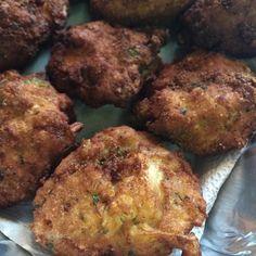 Trays of cauliflower patties  #arancini #riceballs #traditional AND #nonTraditional #homemade #handmade #freshtoOrder #madeWithLove #queens #statenisland #foodie #foodporn #goodeats #nom #italianfood #delicious #truffles #leahsitalianapples #sicilian #deepfried #goldenbrown #notyourNonnas #reinventingRiceballs #supportLocalBusiness #cheesy #eeeeeats #catering #foodilysm