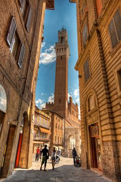 Siena - Top 10 Travel Destinations in Southern Tuscany Cinque Terre, Toscana, Italy Vacation, Italy Travel, Rome Travel, Places To Travel, Places To See, Travel Destinations, Travel Deals