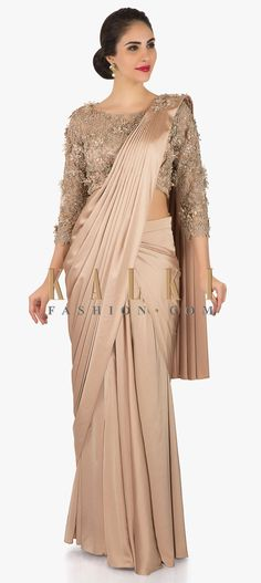 Cream satin pre-stitched saree with net blouse embellished with flowers only on Kalki Drape Sarees, Saree Draping Styles, Saree Styles, Saree Gown, Satin Saree, Saree Blouse, Designer Sarees Wedding, Saree Wedding, Beautiful Blouses