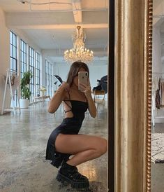 Find images and videos about girl, style and summer on We Heart It - the app to get lost in what you love. Mode Outfits, Trendy Outfits, Summer Outfits, Girl Outfits, Fashion Outfits, Dress Fashion, Vest Outfits, Night Outfits, Classy Outfits