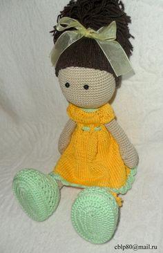 Красавица-куколка связана по описанию от Ирины на форуме сайтаhttp://amigurumi.com.ua/, за что ей огромное СПАСИБО от меня и от моей дочурки, для которой собственно и вязалась сия девочка...В описании кукла зовется Снежка. Красивое и нежное имя.....