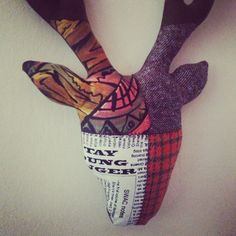 I made this stag head with a patchwork of tweeds, printed linen and recycled fabrics :)