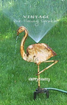 ViNtaGe PINK FLAMINGO GARDEN SPRINKLER ChiPPy-SHaBBy Yard Flamingos, Rustic Shed, Patina Style, Flamingo Garden, Garden Sprinklers, Garden Deco, Concrete Wood, Garden Stones, Shabby Cottage