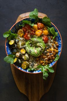 Healthy and delicious Roasted tomato and chickpea bowl