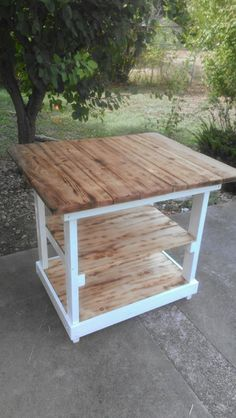 #Pallet Kitchen Island (Dunway Enterprises) http://dunway.info/pallets/index.html