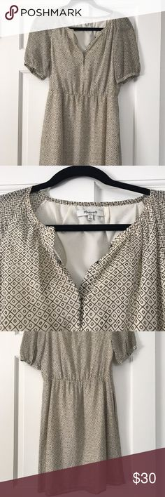 Madewell Dress Size 2 Super cute, has pockets!! Worn a few times , less than 5. Excellent condition. Madewell Dresses Midi