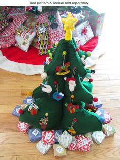 felt tree and mini advent ornaments Crochet Christmas Trees, Felt Christmas Ornaments, Christmas Sewing, Christmas Decorations, Toddler Christmas, Christmas Holidays, Diy Busy Books, Felt Tree, 242