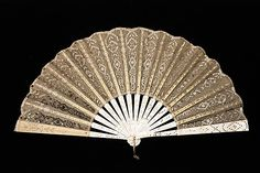 Fan Made Of Mother-Of-Pearl, Metal And Silk - Probably French c.1900-1915 - The Metropolitan Museum Of Art