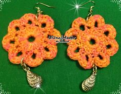 Flower earrings with charm