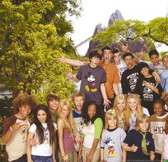 Our Disney Channel memories Disney Channel Stars, Disney Stars, Old Disney Channel Movies, Disney Day, Cute Disney, Hight School Musical, High School, Old Disney Shows, Disney Collage