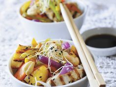 Asiatisch, lecker, gut! Hähnchen mit Gemüse - smarter - Kalorien: 334 Kcal - Zeit: 50 Min.   eatsmarter.de