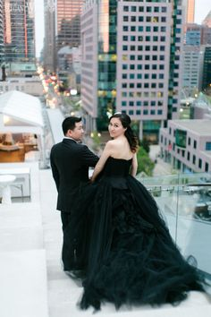 Beautiful black Vera Wang wedding dress! PINK OMBRE WEDDING OVERLOOKING TORONTO www.elegantwedding.ca