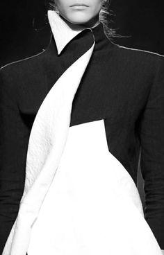 Aganovich Ready To Wear Fall Winter 2014 Paris Geometric Fashion, Modern Fashion, Fashion Art, High Fashion, Fashion Outfits, Womens Fashion, Fashion Design, Black And White Jacket, Black White