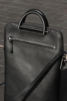 Pebbled Leather Lite Business Bag
