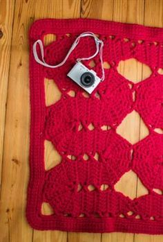 Bruges crochet lace works beautifully in this crochet rug. Bruges Rug - Media - Crochet Me