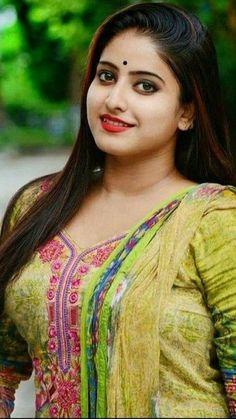Beautiful Girl In India, Beautiful Women Over 40, Beautiful Girl Photo, Most Beautiful Indian Actress, Beautiful Hijab, Beautiful Celebrities, Beautiful Ladies, Beautiful People, Cute Beauty