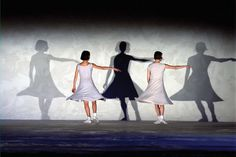'Fase, four movements to the music of Steve Reich', by Anne Teresa De #Keersmaeker, ROSAS