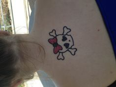 Cute skull with pink bow :)