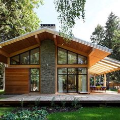 Roof Overhang for a Contemporary Exterior with a Gable Roof and Woodlark House by Roman Leonidov Design Exterior, Roof Design, Cafe Exterior, Ranch Exterior, Exterior Shutters, Exterior Stairs, House In The Woods, My House, Chalet Modern