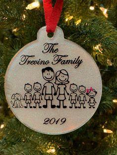 Cricut Christmas Ideas, Diy Christmas Ornaments, Christmas Bulbs, Holiday Decor, Home Decor, Interior Design, Home Interior Design, Home Decoration, Decoration Home