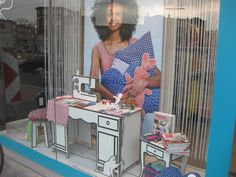 Reboard table @Veritas EU window display Visual Merchandising, Windows, Window Displays, Pos, Interior, Retail, Dreams, Shopping, Building