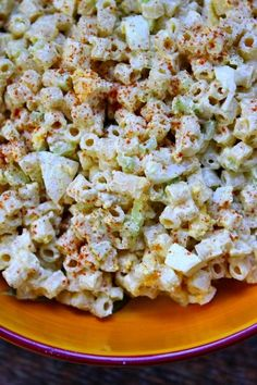 Sharing an Old Fashioned Macaroni Salad recipe - absolutely a family favorite for so many years. Best macaroni salad for barbecues. Great Recipes, Dinner Recipes, Favorite Recipes, Best Macaroni Salad, Macaroni Salads, Classic Macaroni Salad, Elbow Macaroni Recipes, Southern Macaroni Salad, Amish Macaroni Salad