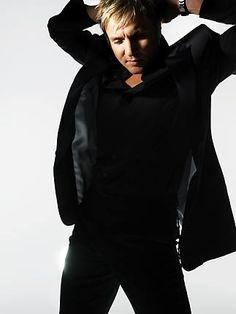 Simon Le Bon --  love the all black!  and the pose  :)