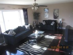 Zebra Print Living Room...this is what i'm going for!
