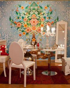 Espacio creado por distribuidor de papeles de pared en Brasil: Wallpaper  http://wallpaper.com.br/novo/