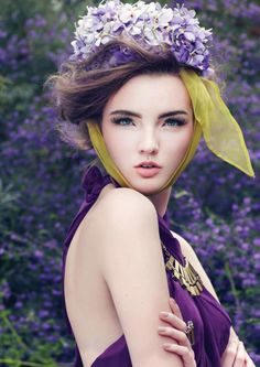 Shades of Purple - floral headpiece with scarf - purple dress - portrait idea Purple Love, All Things Purple, Purple Rain, Shades Of Purple, Green And Purple, Deep Purple, Color Violeta, Purple Wedding, Belle Photo