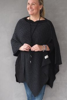 Cashmere Poncho CABLE, Almost black