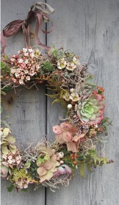Love this succulents and wax flower wreath Deco Floral, Arte Floral, Fall Flowers, Dried Flowers, Wreaths For Front Door, Door Wreaths, Autumn Wreaths, Christmas Wreaths, Corona Floral