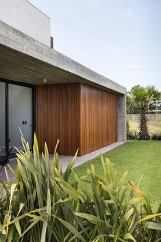 Casa C5 - Martin Arquitetura + Engenharia Home Room Design, House Design, Modern Villa Design, Urban Design, Facade Architecture, Architecture Diagrams, Architecture Portfolio, Hacienda Style Homes, Interior Design Renderings